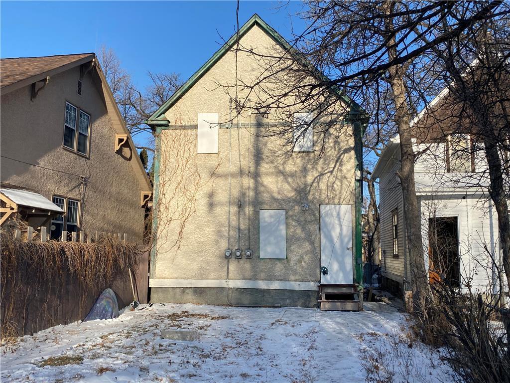346 Redwood Avenue, Winnipeg, Manitoba  R2W 1S2 - Photo 2 - 202029588
